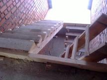 Лестница из дуба на каркасе из ЛВЛ-бруса (14 фото) - №43