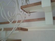 Лестница с кованым ограждением (5 фото) - №40