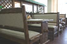 Столики и скамейки для бара, ресторана