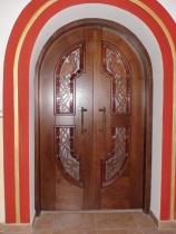 Арочные двери из массива дерева