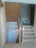 Лестница из светлого дерева (13 фото) - №30