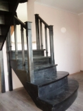 Лестница из массива, темное дерево (4 фото) - №28