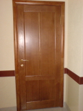 Двери из дерева для офисов, административных зданий.