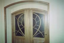 Двери из массива ясеня на заказ