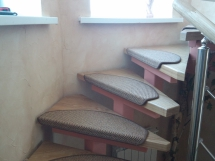 Деревянная лестница комбинированная