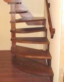 Лестница из массива, перила с отделкой