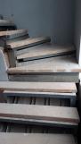 Отделка лестничного металлокаркаса буком (20 фото)