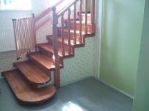 Деревянная лестница на заказ (8 фото) - №2