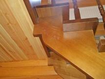 Лестница с перилами и отделкой (4 фото) - №27