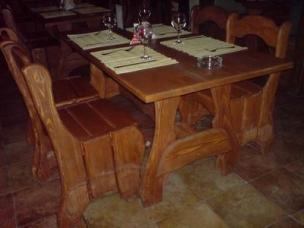 Мебель из массива дерева для кафе, под заказ