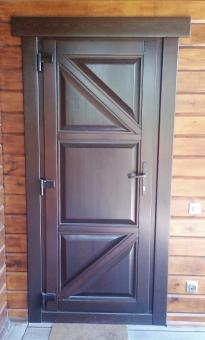 Дверь входная деревянная утеплённая для коттеджа