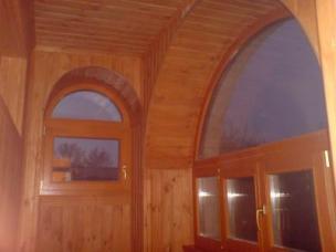 Дизайн и отделка балкона, лоджии деревом