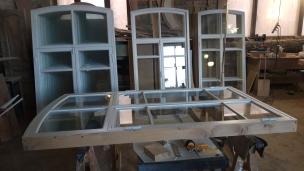 Готовое деревянное окно из лиственницы