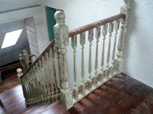 Лестница в стиле Прованс с площадкой, модель 19