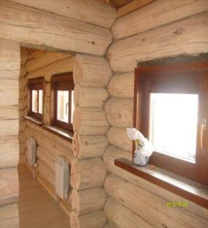 Окна деревянные коричневые
