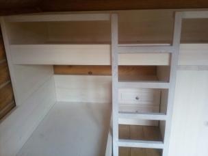 Блок спальных мест для детской комнаты из массива