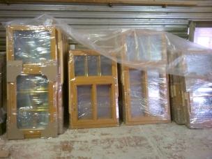 Деревянное окно из сосны