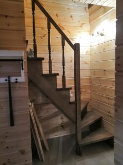 Деревянная лестница, массив бука