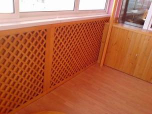 Обшивка балкона, деревянные решетки для балкона
