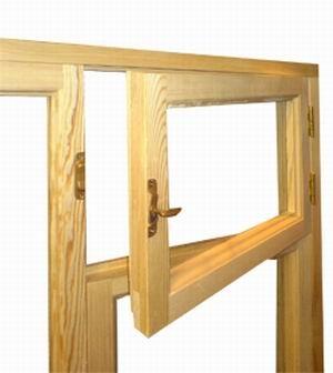 Окно деревянное с форточкой