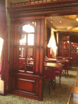 Оформление, декор из дерева для баров, ресторанов