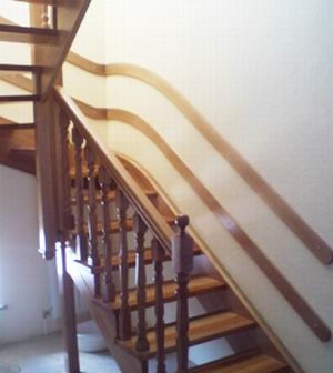 Деревянная лестница из бука на второй этаж