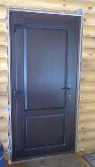 Дверь входная деревянная утеплённая