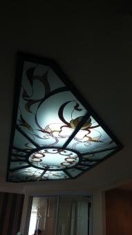 Светильник потолочный с витражом, декор